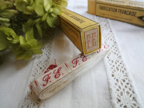 フランスアンティーク イニシャルテープ(箱付き)