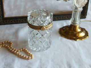 アンティーク クリスタルガラスと真鍮の蓋付きケース
