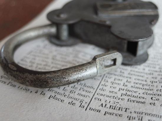 フランス のアンティーク南京錠(くまのパドロック)