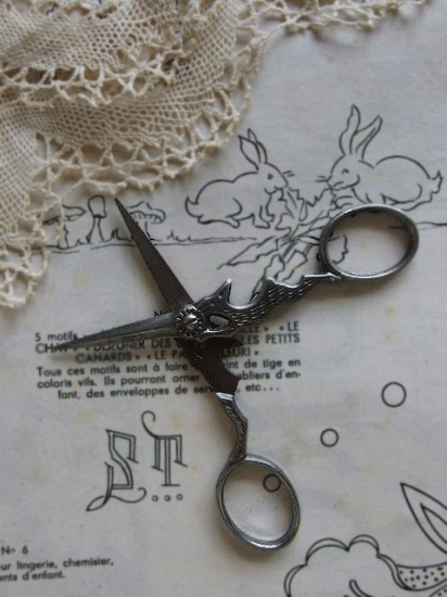 アンティーク 野うさぎの手芸ばさみ(1)