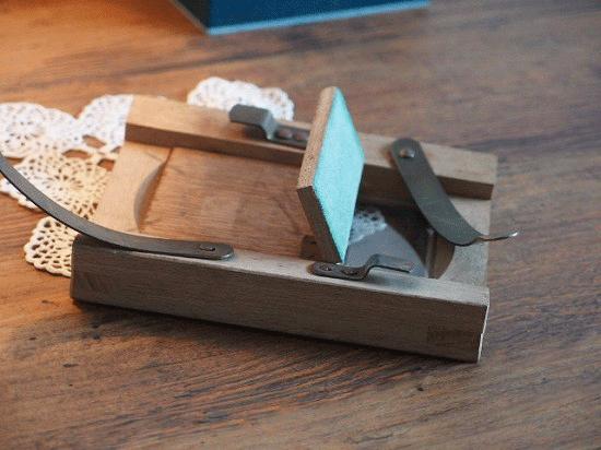 フランス木製の小さなアンティークフレーム(フォトフレーム)