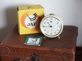 JAZ アイボリーの目覚まし時計(箱付き)