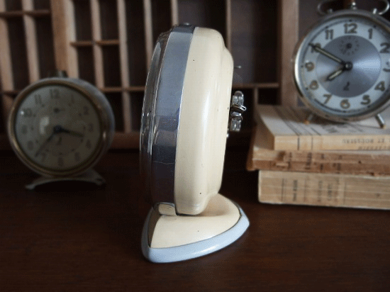 フランス JAZ アラーム付きの置き時計(クリーム色)