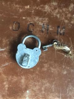 フランスのアンティーク南京錠(くま鍵WINNER)