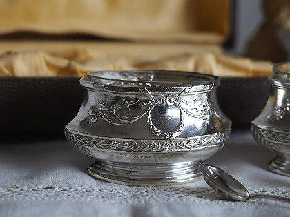 ナポレオン三世様式 シルバープレートのソルト&ペッパー入れ
