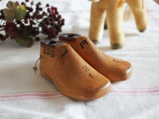 アンティーク 子供の木製靴型(KEMPTON) Size 1