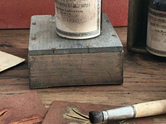 フランス製アンティークボトル(木箱付き)?