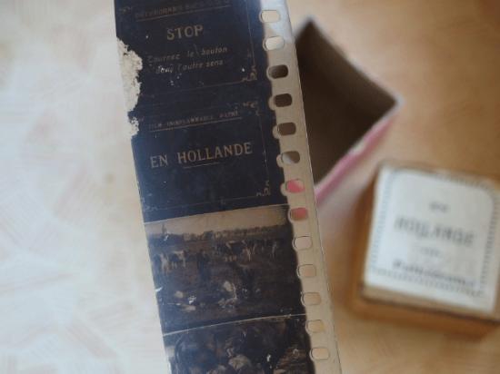 小さな紙箱に入ったアンティークフィルム 3個セット