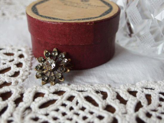 フランス アンティーク お花のブローチ