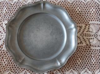 アンティーク 花リムのピューター皿(27cm)
