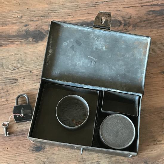 フランスアンティーク ブリキ製道具箱