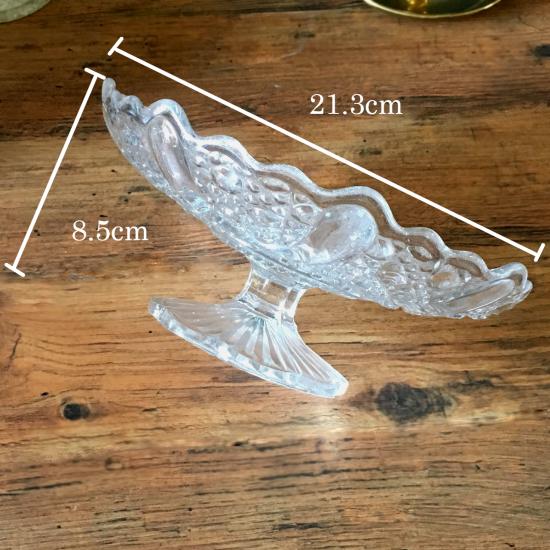 イギリス アンティークのガラス製ケーキスタンド