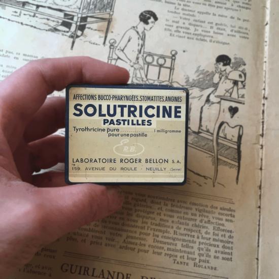 フランスアンティーク SOLUTRICINE おしゃれなタブレット缶