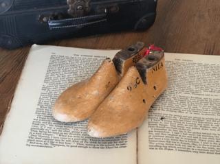 イギリスアンティーク 子供の靴型(UKサイズ 9・1/2)