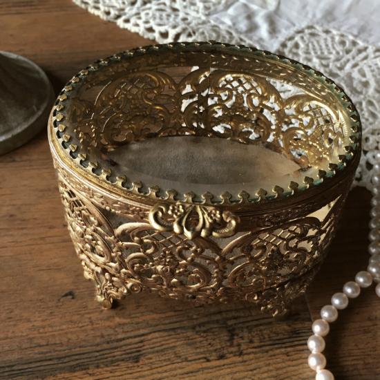 アンティーク 真鍮とガラスのジュエリーボックス (オーバル型)