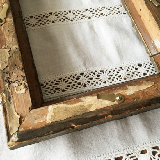 フランスアンティーク 漆喰レリーフのゴールドフレーム(ガラス付き)