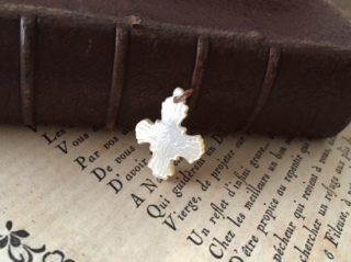 フランスアンティーク マザーオブパール  クロス(十字架)のペンダントトップ
