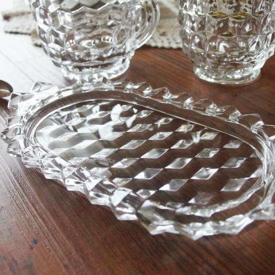 アンティーク プレスガラス製シュガーポットとクリーマーのセット(Jeannette glass社)