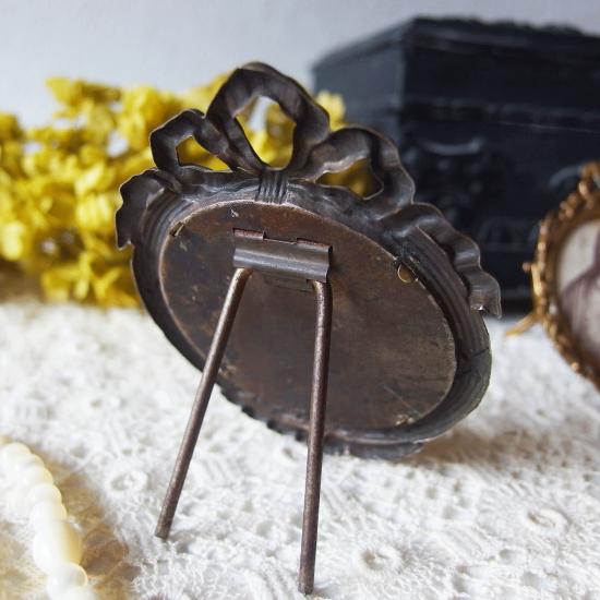 フランスアンティーク 真鍮製ミニフレーム リボンのフォトフレーム