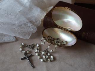 フランスアンティーク マザーオブパール ロザリオケースとロザリオのセット