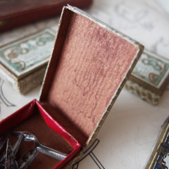 フランスアンティーク BLANZY POURE & CIE 紙箱に入ったペン先(ピンク)