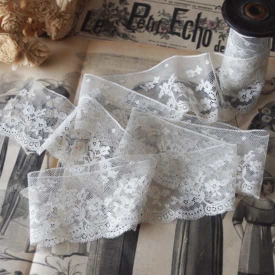 フランスアンティーク 薔薇とスカラップ模様のニードルレース