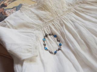 フランス  赤ちゃん用ブレスレット  エナメルのキリスト教モチーフとシルバーの薔薇