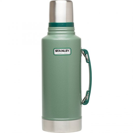 STANLEY | CLASSIC VACUUM BOTTLE 2Qt<br/>スタンレー クラシック真空ボトル 1.9L グリーン<img class='new_mark_img2' src='https://img.shop-pro.jp/img/new/icons5.gif' style='border:none;display:inline;margin:0px;padding:0px;width:auto;' />