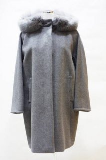 <img class='new_mark_img1' src='https://img.shop-pro.jp/img/new/icons12.gif' style='border:none;display:inline;margin:0px;padding:0px;width:auto;' />【WEEKEND MaxMara】フォックスファーコート