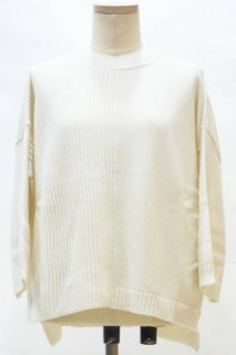 <img class='new_mark_img1' src='https://img.shop-pro.jp/img/new/icons12.gif' style='border:none;display:inline;margin:0px;padding:0px;width:auto;' />【WEEKEND MaxMara】五分袖リブニット