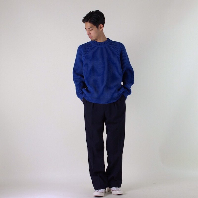 UNIVERSAL PRODUCTS LOW GAUGE CREW NECK KNIT