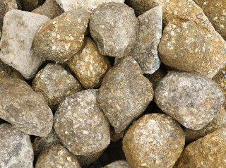木曽石(100-200mm)