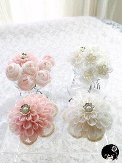 白とピンク薔薇Uピン2wayコサージュセット<br>19,440円(税込)