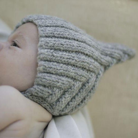 【20%OFFセール】Typically Red(ティピカリーレッド)<br>Tiny Pixie hat <BR>Grey baby(6-12カ月)サイズ<BR>ボンネット ニット帽