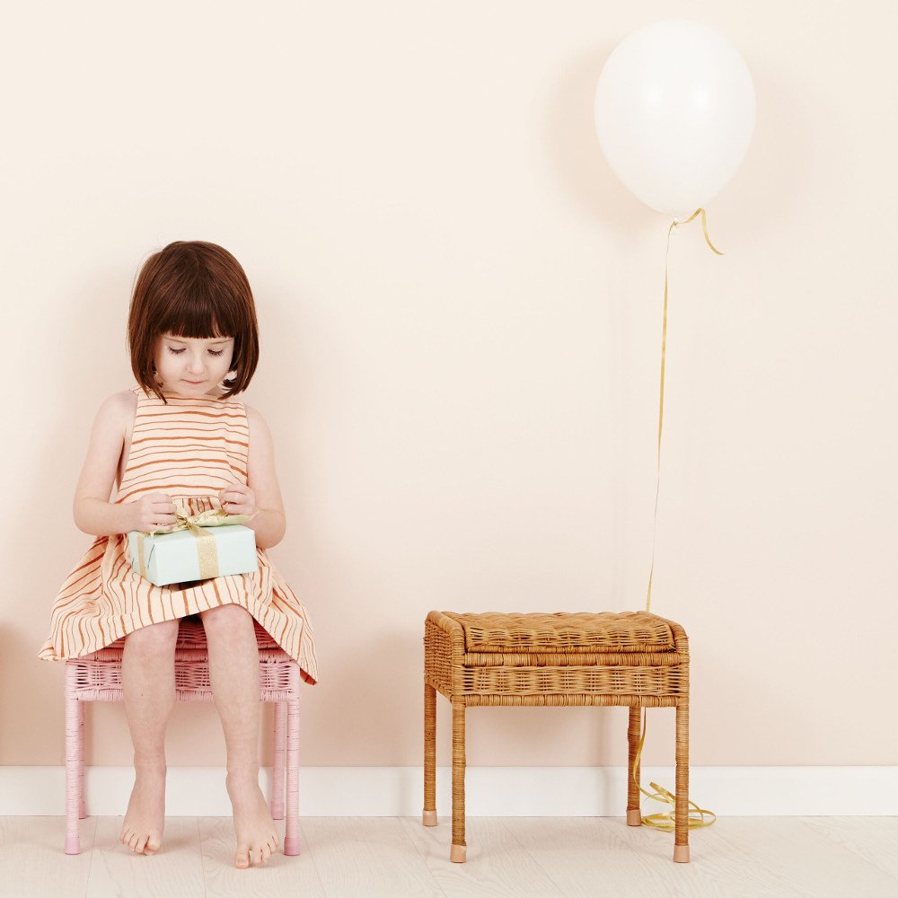 【送料無料】Olli Ella(オリエラ)<br>STORIE STOOL<BR>キッズ用スツールnatural white<BR>藤椅子、収納チェア