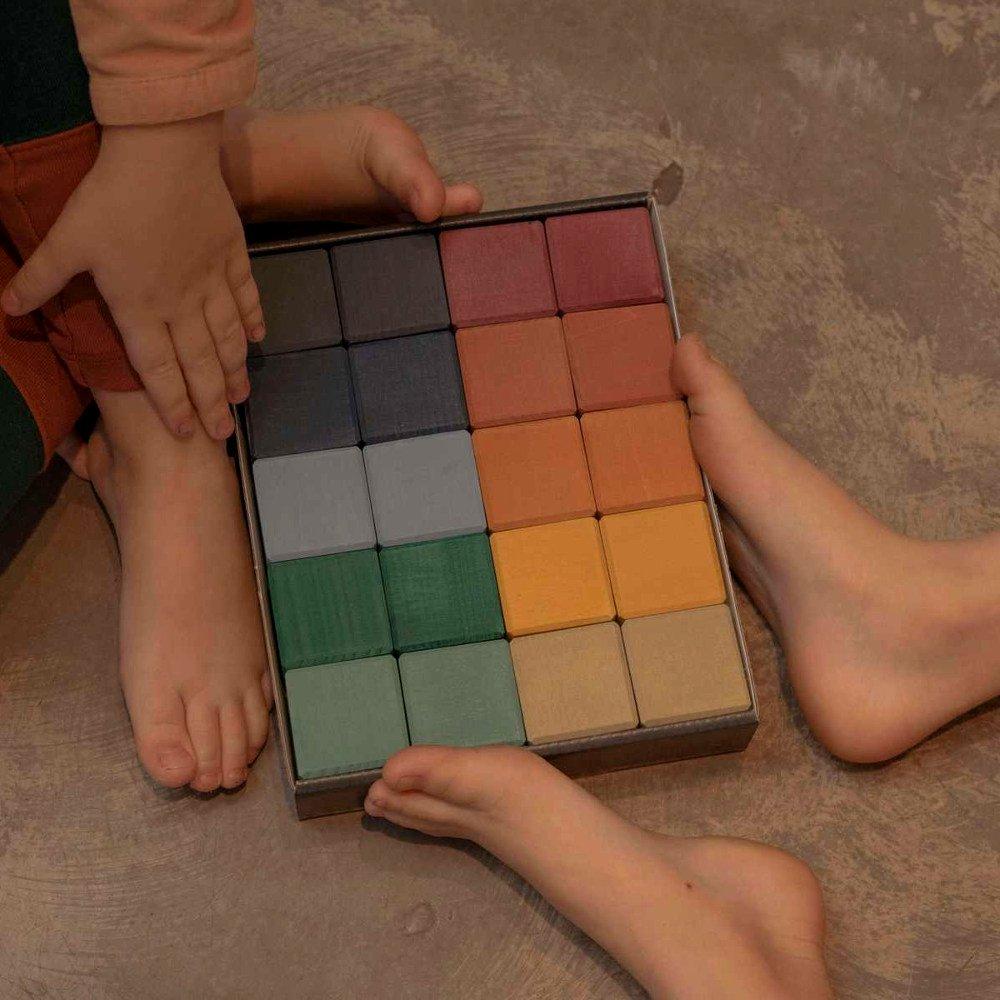 <img class='new_mark_img1' src='https://img.shop-pro.jp/img/new/icons5.gif' style='border:none;display:inline;margin:0px;padding:0px;width:auto;' />【7月末入荷次第お届け】RADUGA GREZ(ラドガ グレ)<br> Earth Cubes set, 20 cubes <BR>木製ブロック 積み木