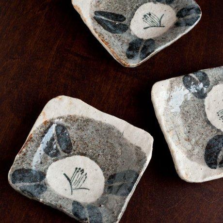 鼠志野椿文角銘々皿