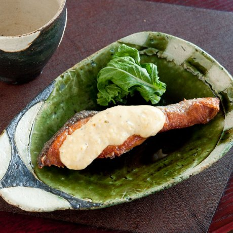 織部丸文ストライプ玉子皿(小)