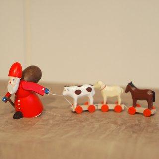 【クリスマス】動物を引っぱるサンタ