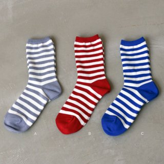 <img class='new_mark_img1' src='//img.shop-pro.jp/img/new/icons41.gif' style='border:none;display:inline;margin:0px;padding:0px;width:auto;' />【50%OFF】 Family Border Socks(25〜27cm) YUiNO