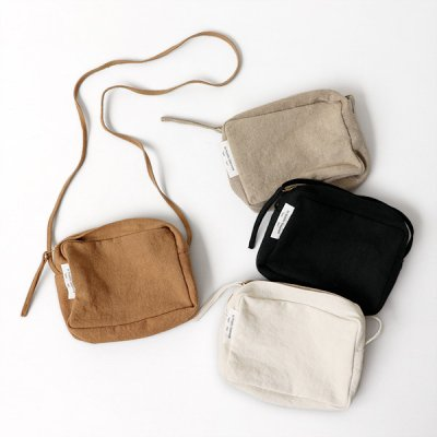 <img class='new_mark_img1' src='//img.shop-pro.jp/img/new/icons14.gif' style='border:none;display:inline;margin:0px;padding:0px;width:auto;' />Italian Linen Shoulder Bag (M) -ARTE POVERA-