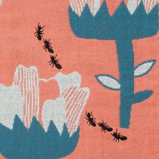 花とアリンコ/morita MiW/ 3重織りガーゼハンカチ