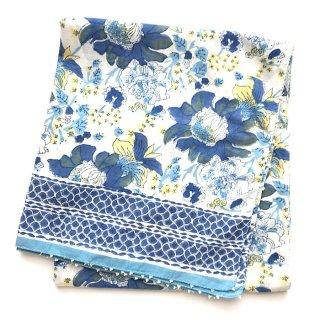 Soma 大判ストール 白×ブルー花柄 115cm x 190cm
