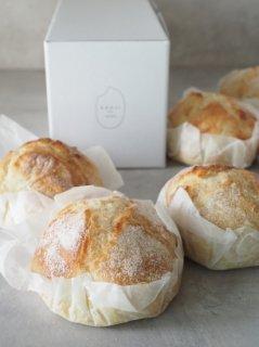 【ヴィーガン】【十勝産小麦】プレミアム生糀パン ギフトBOX (6個入り)