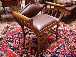 トルコ  革張り椅子