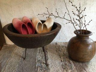 インドのこね鉢とロクロ挽きの木壷