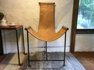 インド 鉄フレームの革椅子
