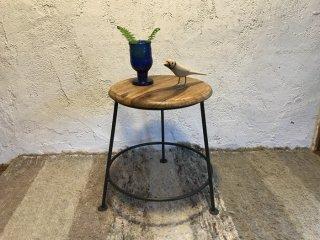 インドの丸型サイドテーブル