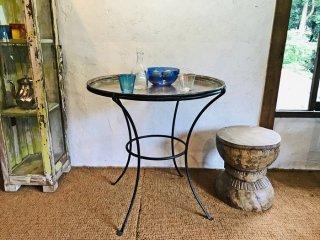 トルコの古いソフレ(銅製食卓用トレイ)とインドネシアの鉄足のセット