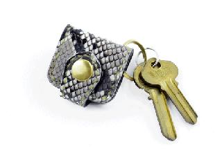 ウォレットキーホルダー オールパイソン(縫い糸ナチュラル)内側ブラック 真鍮金具